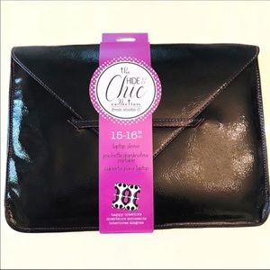 C Studio Hide & Chic Laptop Sleeve 15-16 Inch